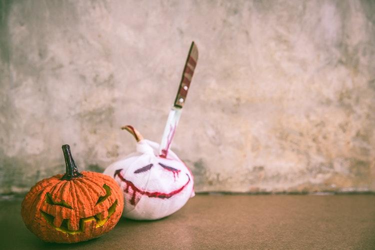 Mit dieser Halloween Deko zeigst du allen, wo die Sense hängt