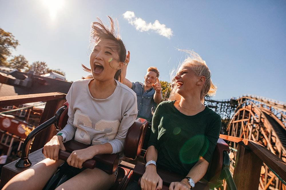 Die 4 besten Freizeitparks für Adrenalin-Junkies