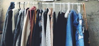 In 11 Schritten zum aufgeräumten Kleiderschrank