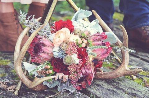 Frühlings-DIY: Blumen und Geweihe